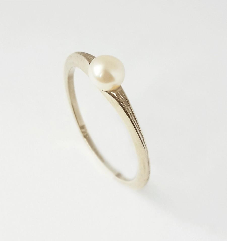 Wedding - Silver pearl ring ,white pearl ring in 925 silver  , unique promise ring or engagement ring