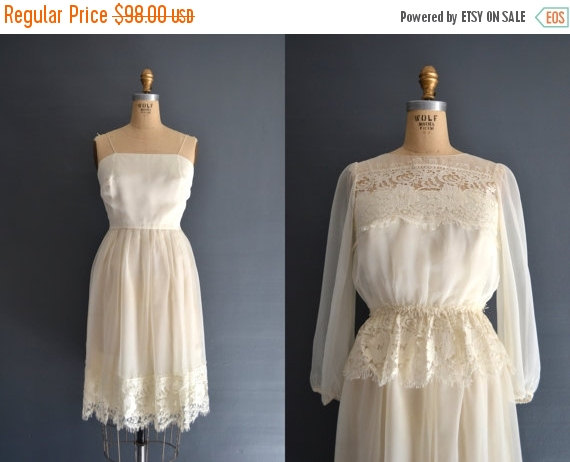 Sale sale 70s lace dress 1970s wedding dress 2606269 for 1970s wedding dresses for sale