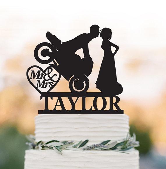 Свадьба - Mr And Mrs Wedding Cake topper with motor, personalized wedding cake topper with letter. unique wedding cake topper, heart decor