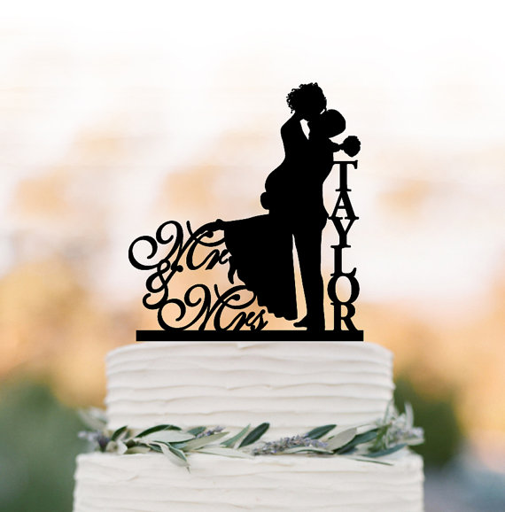 Mariage - Personalized Wedding Cake topper mr and mrs, Cake Toppers with bride and groom silhouette, funny wedding cake toppers with letter monogram