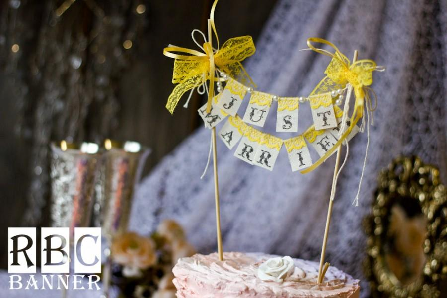 Свадьба - JUST MARRIED cake  BANNER with pearls and yellow lace bow  / Wedding  Banner