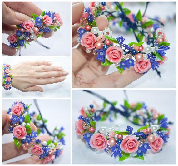 Hochzeit - Rose bracelet, pink bracelet, floral, rose flower bracelet, pink roses, blue flowers, blue flower, polymer clay, pink and blue bracelet clay