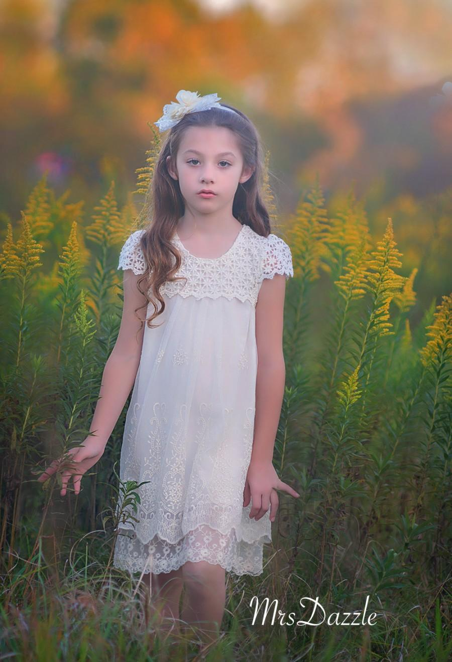 زفاف - SALE Girls Ivory Lace Dress,Ivory Flower Girl Dress,Flower Girl Lace Dress, Crochet lace dress,Girls Vintage Dress,Rustic Dress, Cream Dress
