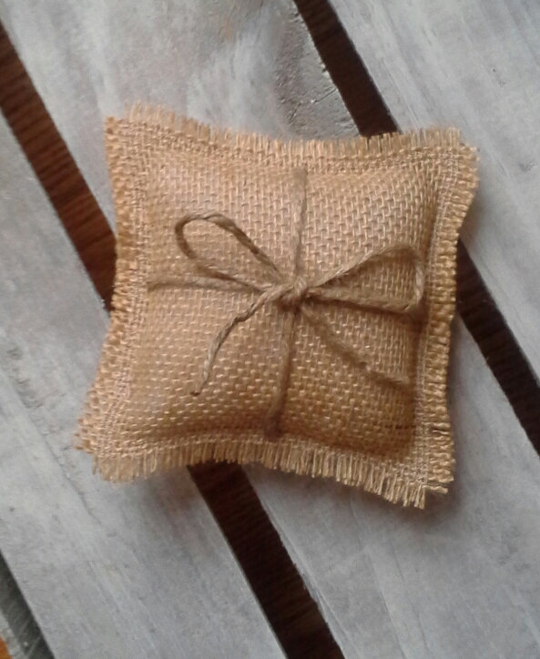 """Mariage - 5"""" x 5"""" Mini Natural Burlap Ring Bearer Pillow With Jute Twine- Rustic/Country/Shabby Chic/Folk/Wedding-Miniature-Small Ring Bearer Pillow"""