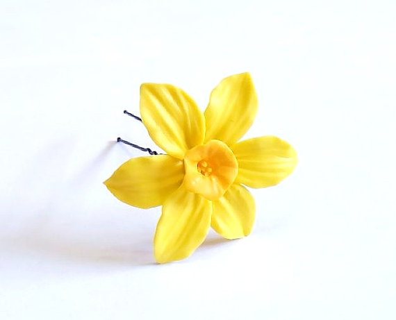 Hochzeit - Large Daffodils Hair Pin, Flowers Hair Accessory, Yellow - White Daffodils Hair Pin, Hair Pin Flowers