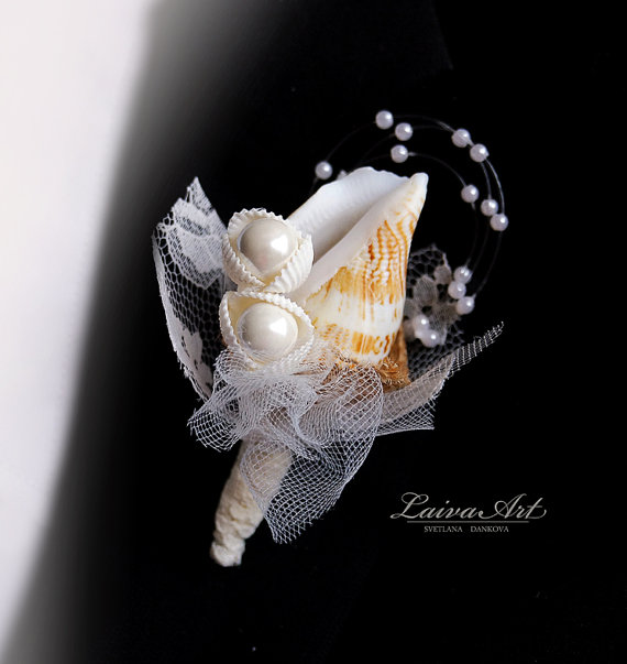 Свадьба - Seashell Boutonniere Beach Wedding Boutonniere Rustic Boutonniere Men's Boutonniere