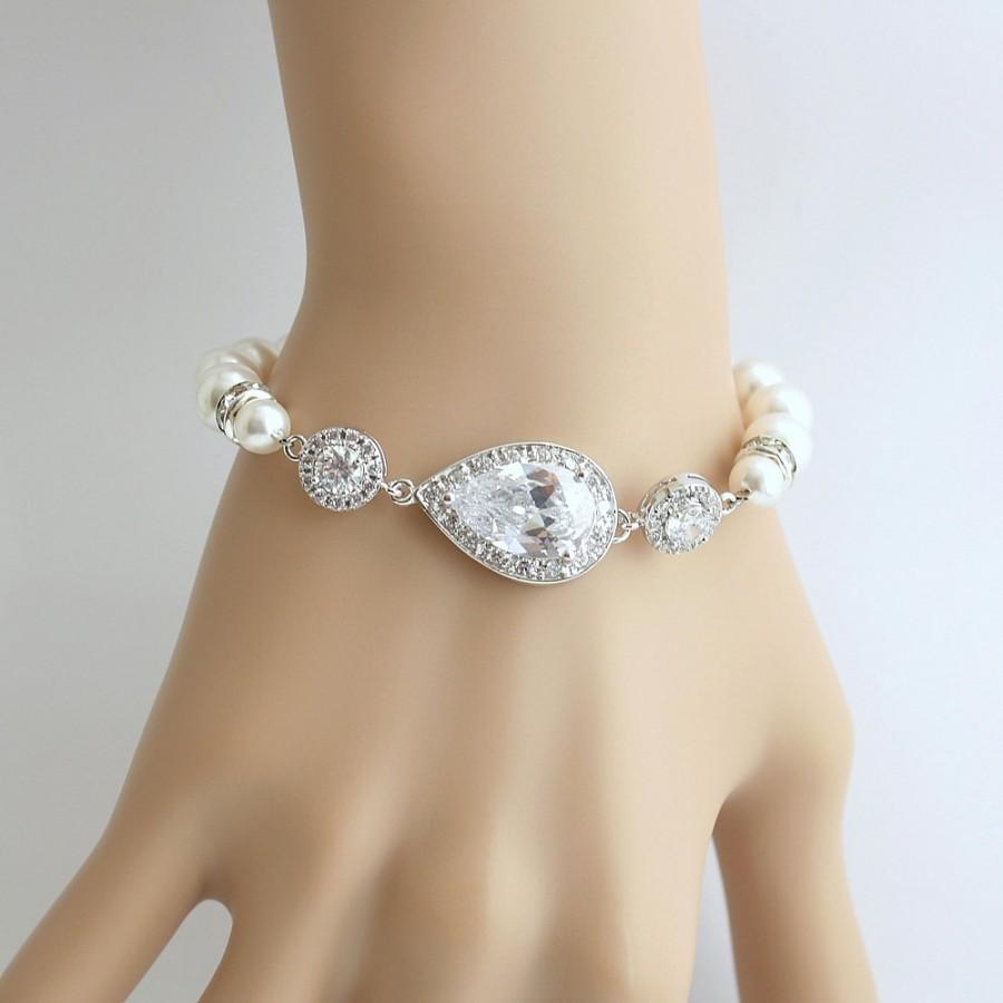 Mariage - Crystal Pearl Bridal Bracelet Wedding Jewelry Pearl Cubic Zirconia Teardrop Bracelet Wedding Bracelet, Tara