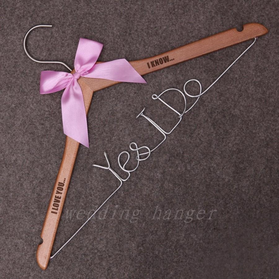 Hochzeit - Wedding Hanger, yes i do wire hanger, Wedding wire hangers, Custom Wood initials, Name,Engraved TEXT/ Letters, Wedding Date, Dress Hangers