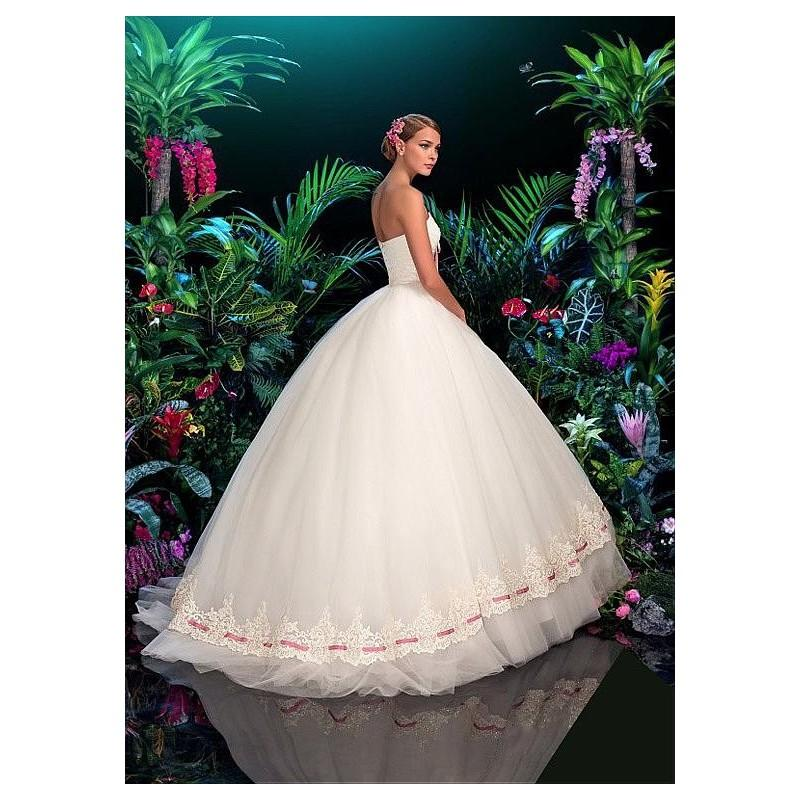 Mariage - Glamorous Taffeta & Tulle Sweetheart Neckline Ball Gown Wedding Dress With Lace Appliques - overpinks.com