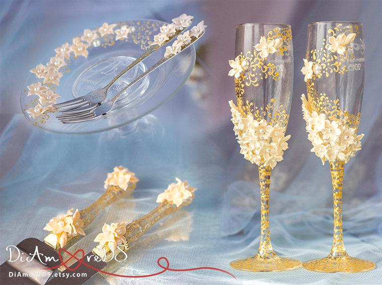 Свадьба - Spring wedding, сhampagne flutes, cake serving, forks & plate, gold and Ivory, cake cutter, personalized, collection Art Flowers, 7pcs
