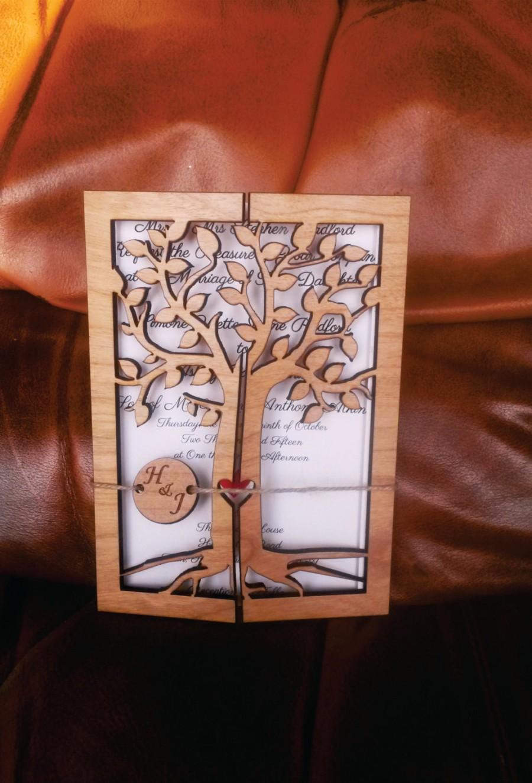 Mariage - Cherry Wood Engraved Wedding Invitation Rustic Handmade Wedding Invitations tree of life  Wedding-Invitation / Vintage Wooden Invitation