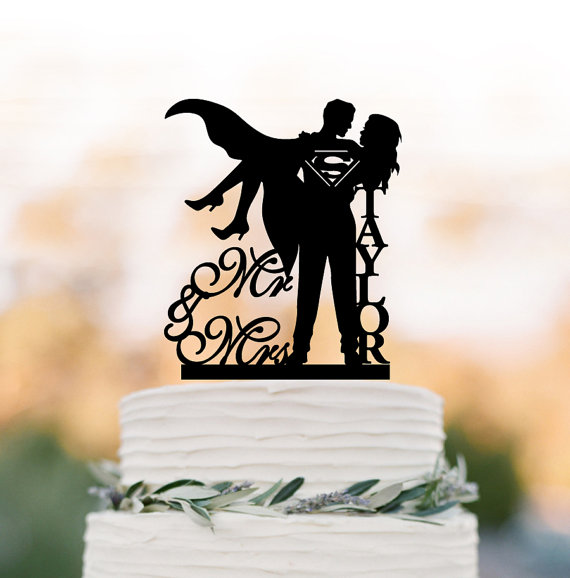 Hochzeit - Personalized Wedding Cake topper mr and mrs, superman wedding cake decoration. disney wedding cake topper, custom cake topper