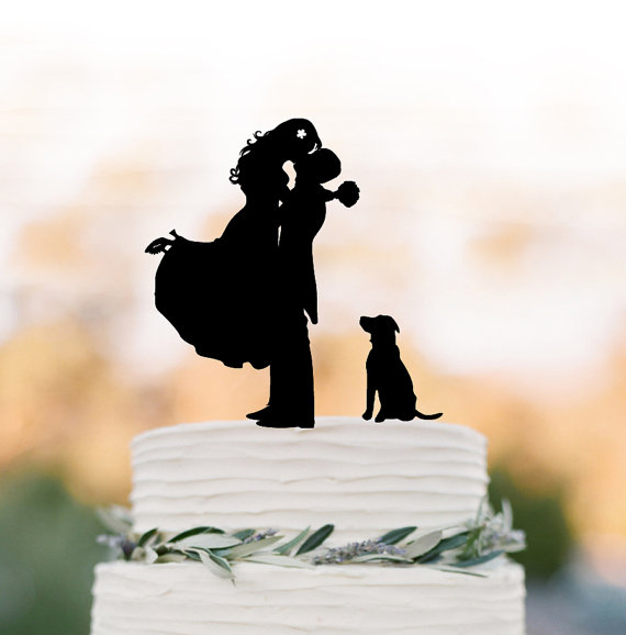 Hochzeit - Funny Wedding Cake topper with dog, groom kissing bride silhouette cake topper. unique wedding cake topper, topper with pet