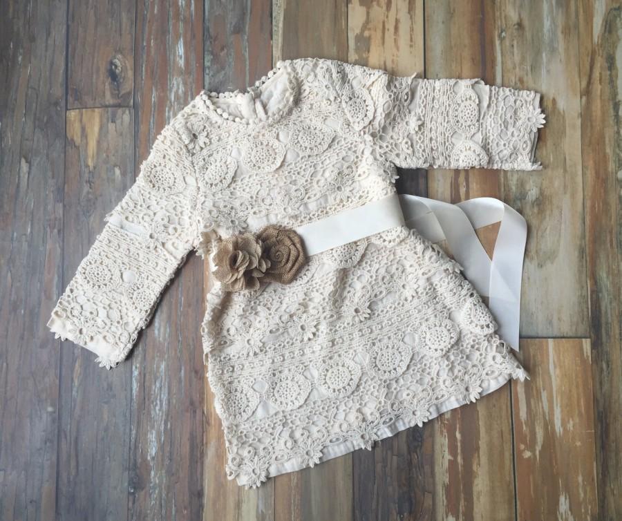 Свадьба - Flower girl dress. Toddler dress. Rustic country flower girl dress- Lace flower girl dress. Country wedding. Barn wedding