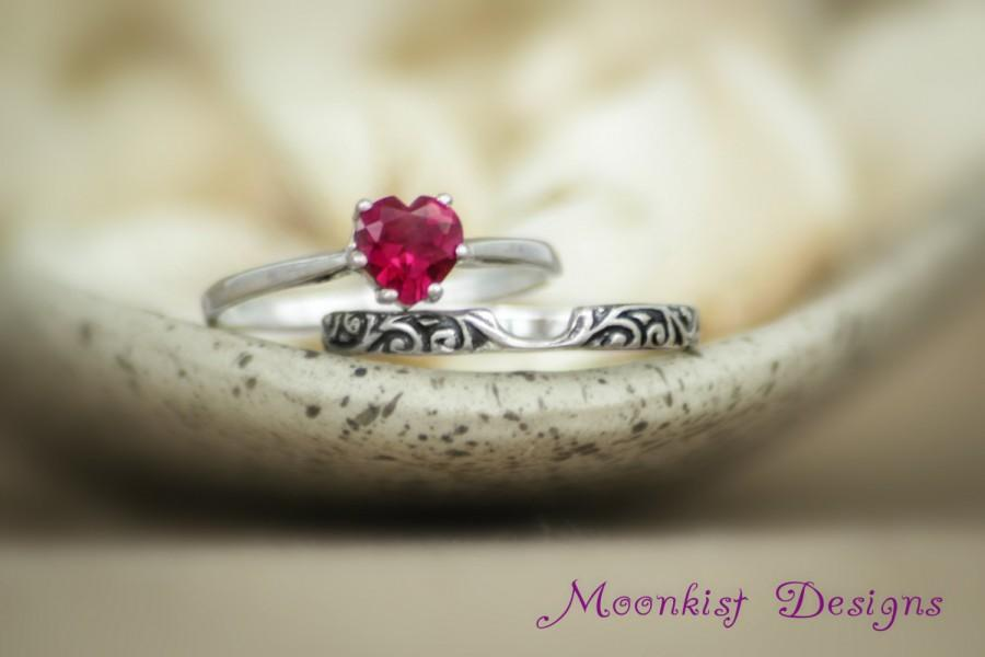 Mariage - Ruby Heart Solitaire Wedding Set in Sterling - Silver Solitaire Set with Smoke Swirl Notched Band - Sweetheart Ring Set