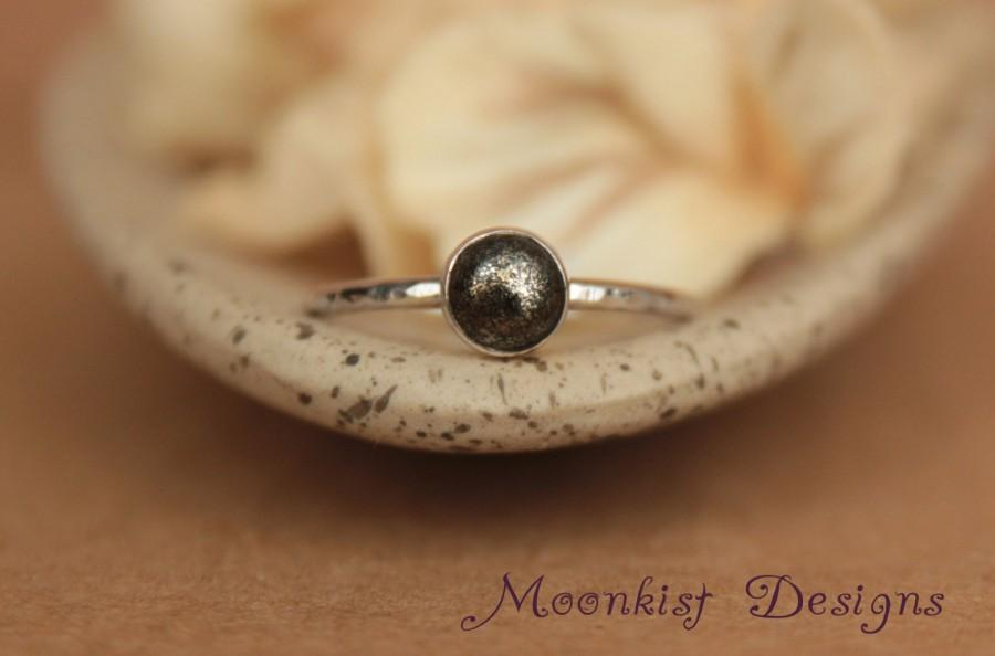 Mariage - Bezel-Set Pyrite Solitaire in Sterling Silver - Unique Pyrite in Matrix Engagement Ring or Promise Ring - Bridesmaid Ring - Right Hand Ring