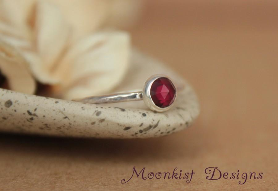 Mariage - Garnet Rose Cut Bezel-Set Solitaire in Sterling - Unique Garnet Engagement Ring or Promise Ring - Bridesmaid Ring - January Birthstone