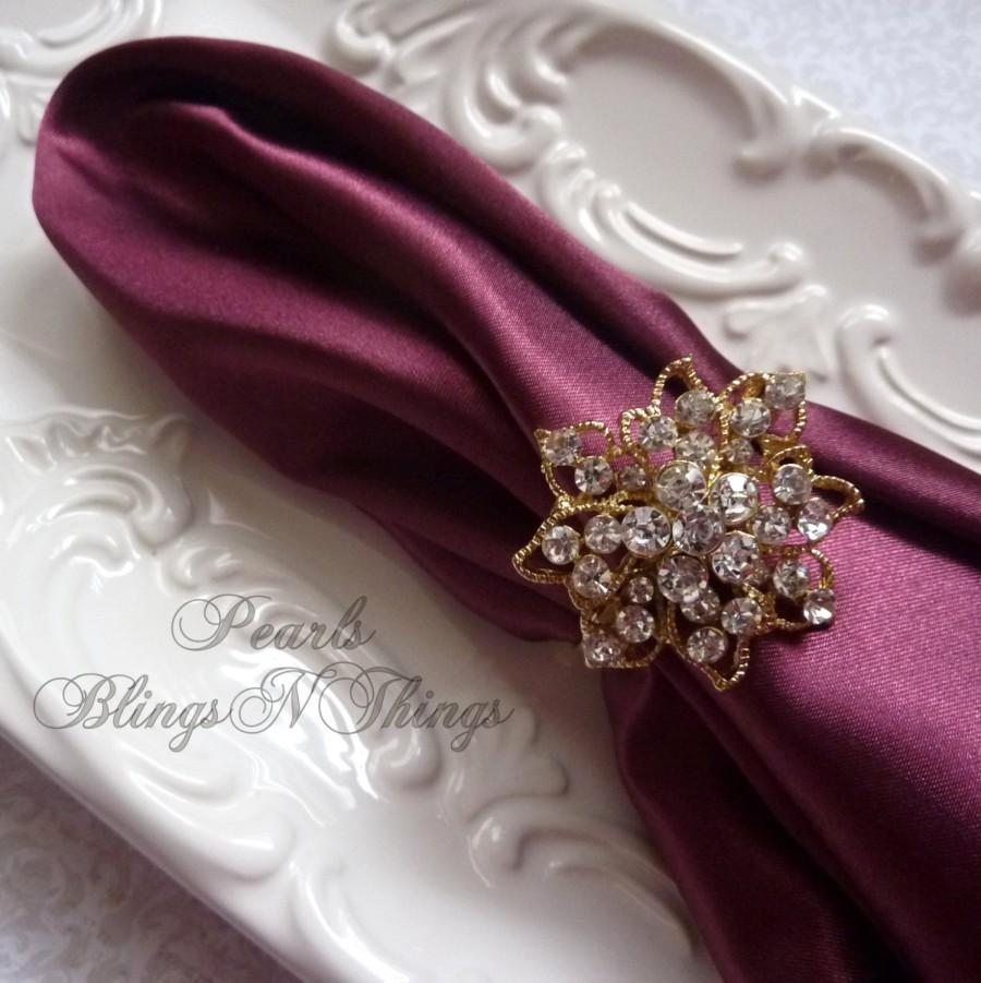 Mariage - Medium Rhinestone Crystal ROSE GOLD NAPKIN Rings Holder for Weddings Special Occasion Brooches Holiday Table Decoration