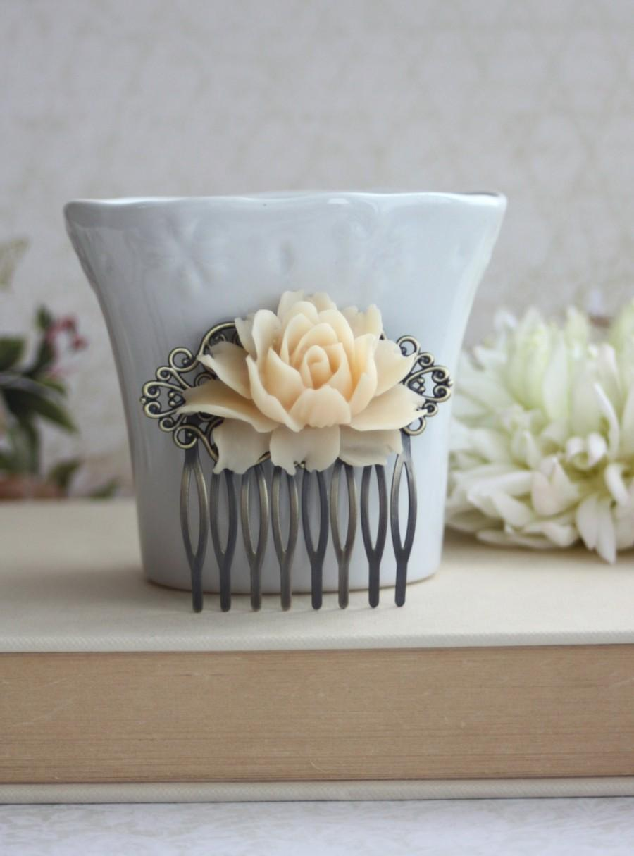 Hochzeit - Big Rose, Large Ivory Rose Flower Hair Comb. Vintage Inspired Flowerr Comb. Bridal Comb, Wedding Comb, Rustic Ivory, Bridesmaids Gift Comb