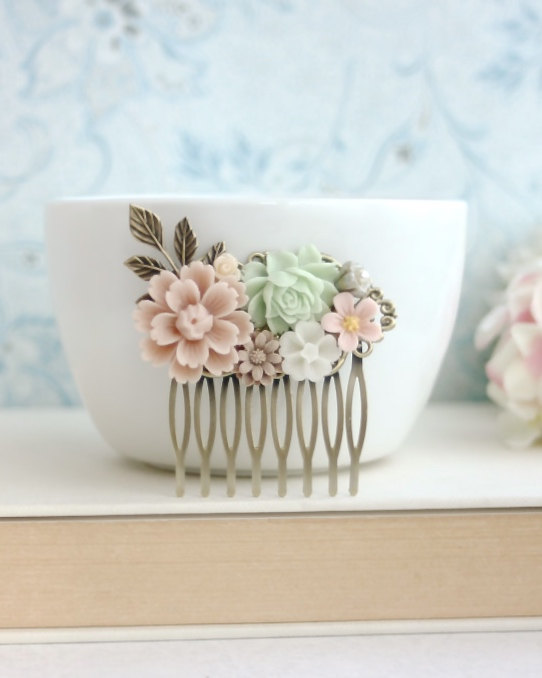 Hochzeit - Wedding Hair Comb, Pink Mint Green Brown Chrysanthemum Leaf. Bridal Comb Veil Comb. Bridesmaid Gift, Pink and Mint Rustic Hair Accessories