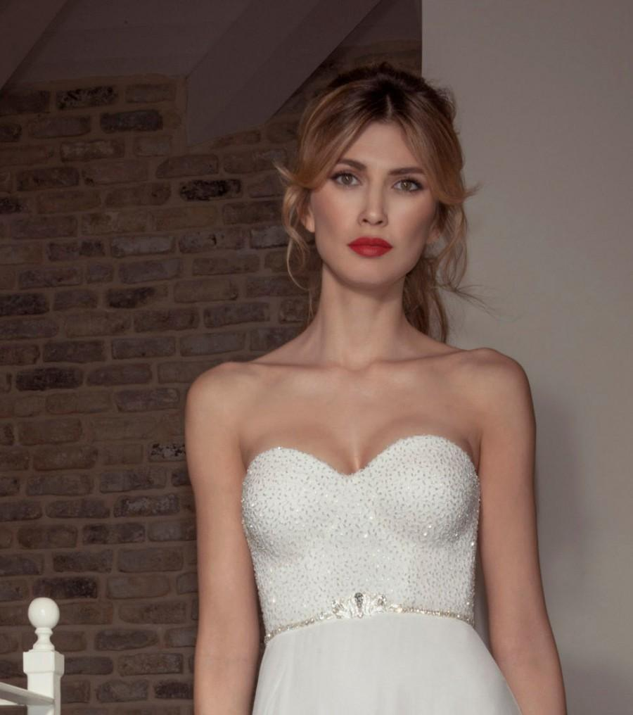 Wedding - Crystal Bridal Sash, Wedding Sash, Silver Rhinestone brooch and belt Sash, Wedding dress accessories, Vintage Style Crystal Wedding Jewelry