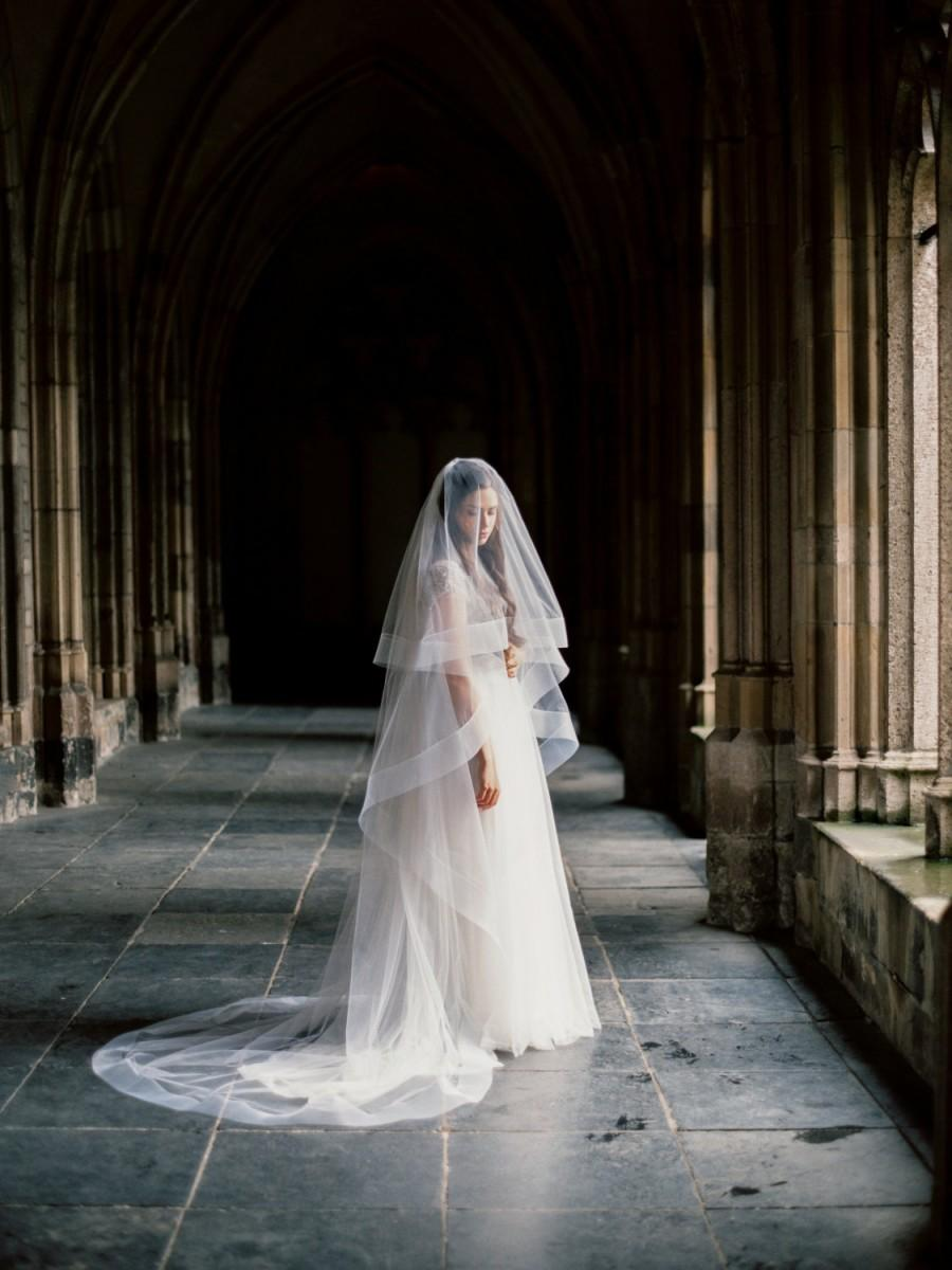 Hochzeit - Thick horsehair ribbon veil with blusher, horsehair wedding veil, cathedral bridal veil, circle wedding veil, drop veil, Style V30