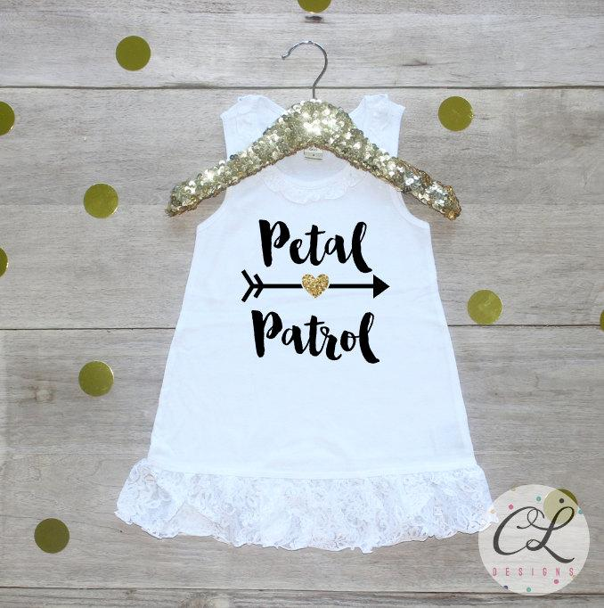 زفاف - Petal Patrol Dress / Flower Girl Shirt Petal Patrol Outfit Wedding Rehearsal Outfit Wedding Shirt Wedding Clothes Cute Flower Girl Shirt 016