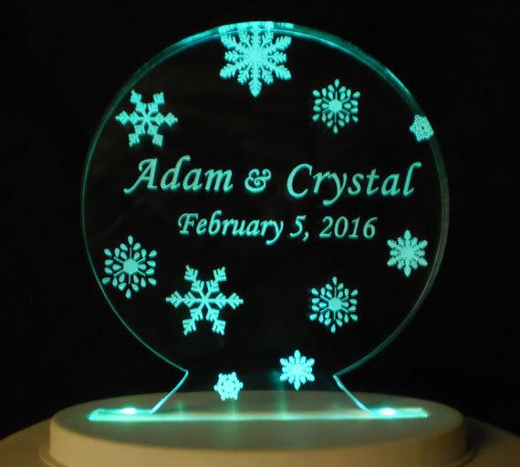 Свадьба - Snow Globe Wedding Cake Topper  - Engraved & Personalized