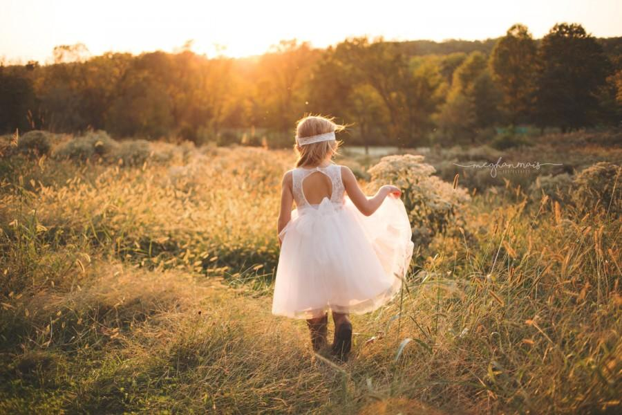 Mariage - Open Back Flower Girl Dress, Country Flower Girl Dress, Rustic Flower Girl Dress, Sweetheart Flower Girls Dress, Flower Girl Dresses, Tulle