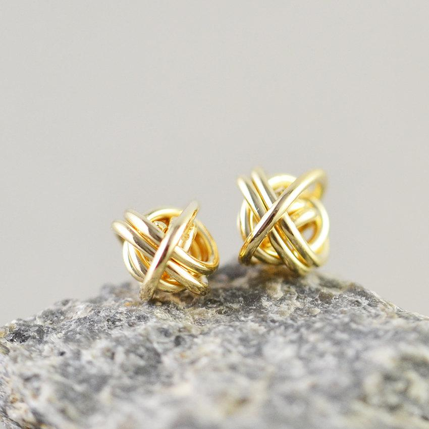 Mariage - Gold Knot Posts, Knotted Jewelry, 7mm Metallic Studs, Love Knots, Knot Studs, Bridesmaid Gift