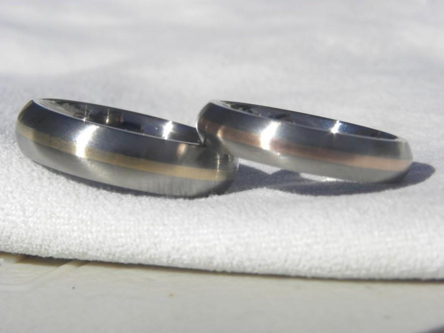 Mariage - Titanium Ring SET,  Domed Profile with a 1mm gold inlay stripe