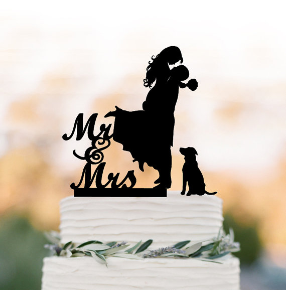 Hochzeit - Wedding Cake topper with dog. Cake Topper mr and mrs bride and groom silhouette, funny wedding cake topper, unique wedding cake topper
