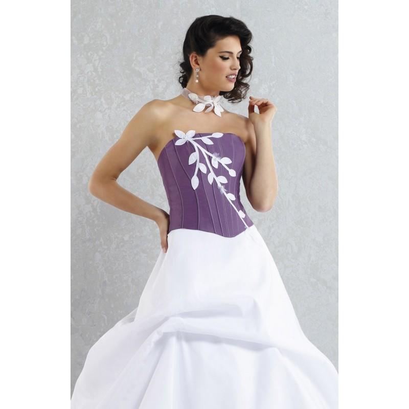 Boda - Pia Benelli, Ambition violet et blanc - Superbes robes de mariée pas cher
