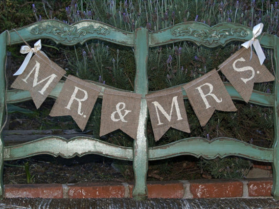 Mariage - Mr. & Mrs. burlap banner- Wedding banner -Photography prop - garland