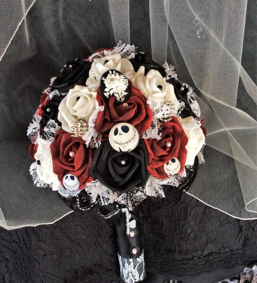 "Mariage - Tim Burton's ""Nightmare Before Christmas"" Wedding Bouquet-Jack Skellington Bouquet-Black/White/Burgundy-Halloween Wedding-Halloween Bouquet"