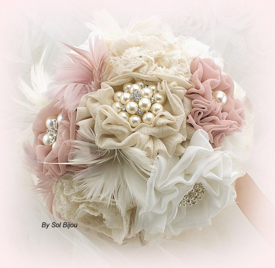 Hochzeit - Brooch Bouquet, Blush, Ivory, Tan, Beige, Champagne, Vintage Wedding, Gatsby Wedding,Bridal, Feather Bouquet, Lace Bouquet, Crystals, Pearls