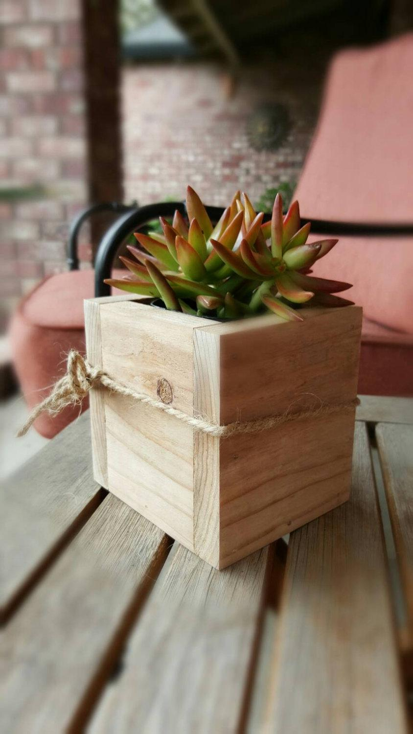 "Свадьба - Redwood Succulent Planter Box Flower Box Garden Box Home Decor Wood Accent Centerpiece 4"" x 4"""