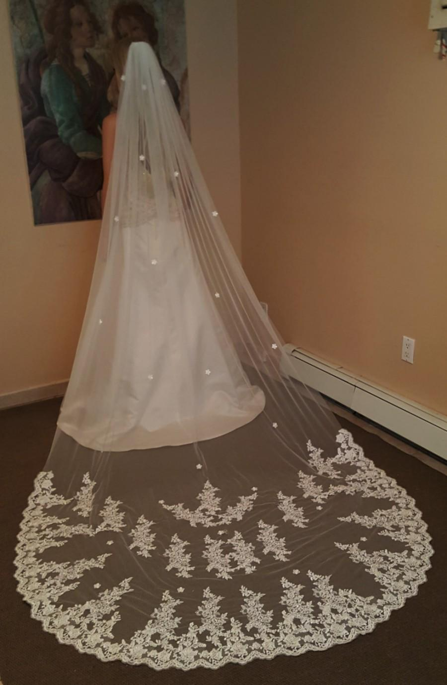 Mariage - Gorgeous Cathedral Lace Veil/ White or Ivory / Soft tulle / Chapel Length or Cathdral Veil