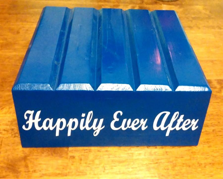 Свадьба - Happily Ever After - Reclaimed Wood, Rustic Cake Stand, Vinyl Lettering - Mitten Made Woodcrafts
