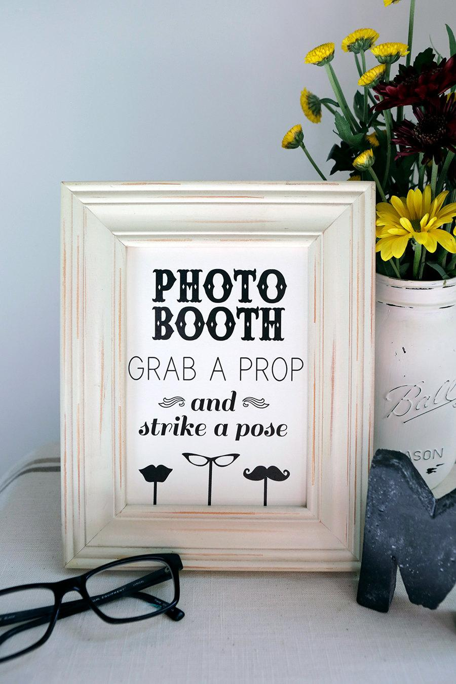 Свадьба - Instant Download - 8x10 PHOTO BOOTH Sign - DIY, Wedding reception, Mustache Black and White , Vintage Photobooth Sign, Chalkboard