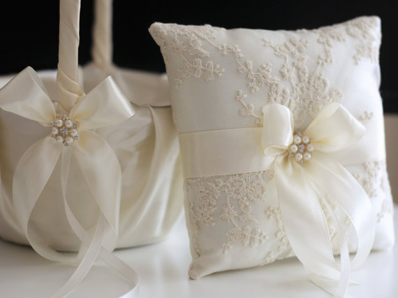 Wedding - Ivory Ring Pillow and Flower Girl Basket Set  Lace Wedding Ring Bearer and Ivory Wedding Basket, Ivory Pillow Basket Set, Cream Ring Holder