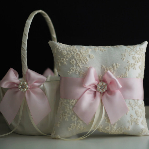 زفاف - Ivory Pink Flower Girl Basket   Ring Bearer Pillow Set with Lace  Wedding Basket with Wedding Ring Pillow with Blush pink bow and Brooch