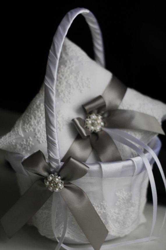 Mariage - Gray Wedding Pillow Basket Set  White and Gray Flower Girl Basket and Ring Bearer Pillow  Gray Lace Wedding Ring Holder and Wedding Basket