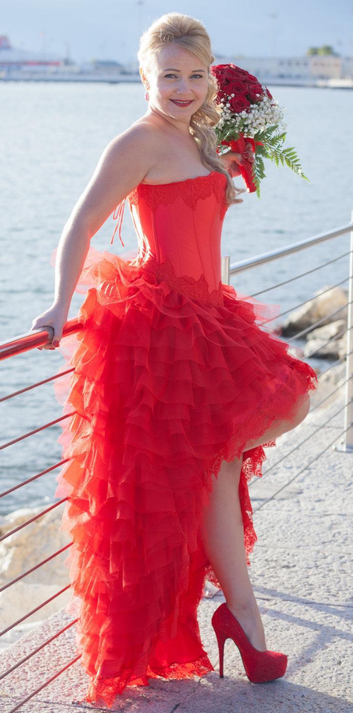 Mariage - red wedding dress in satin silk.