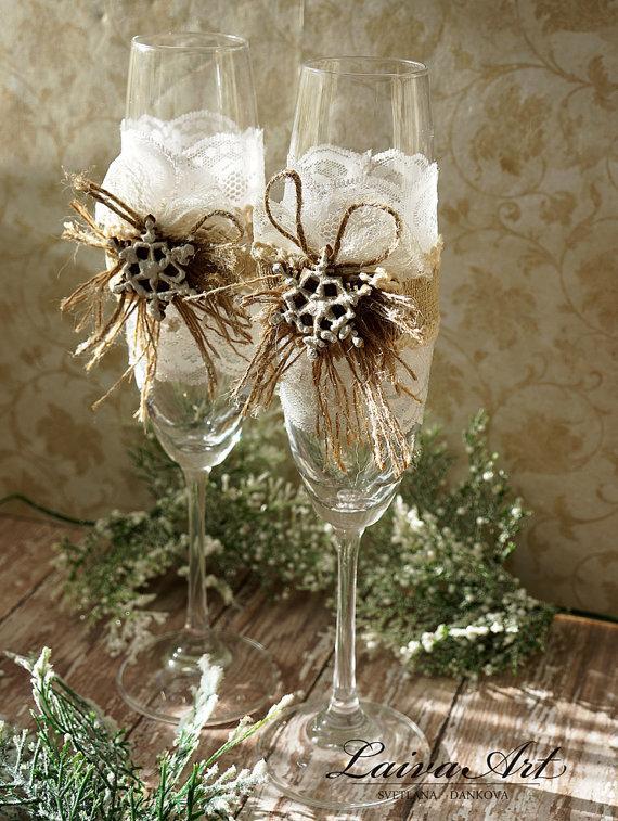 Свадьба - Snowflake Wedding Champagne Glasses Winter Wedding Christmas Wedding Holiday Wedding Champagne Flutes