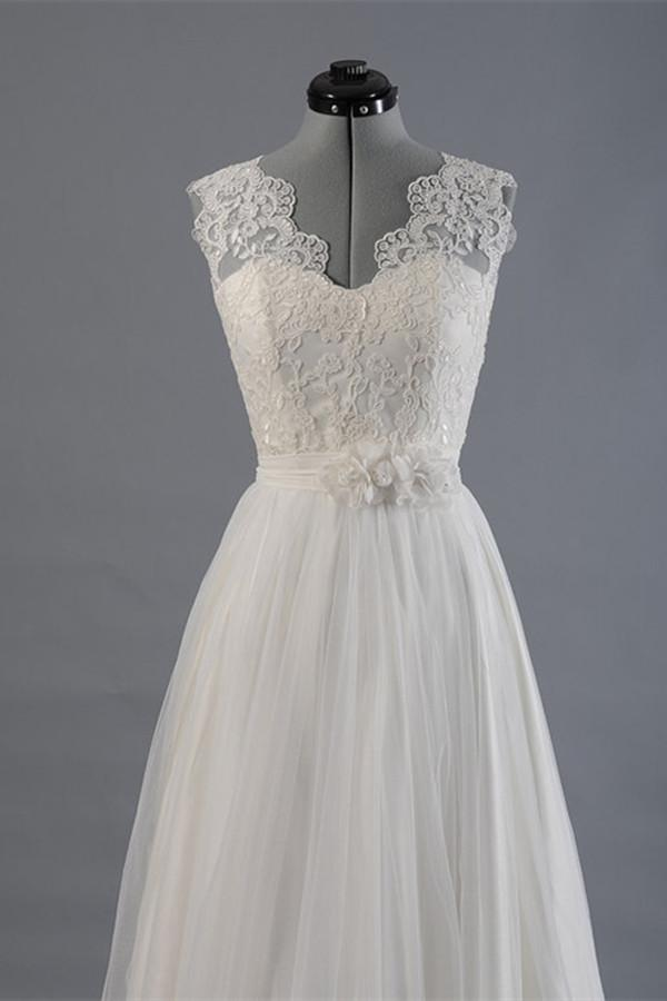 زفاف - Elegant V-neck Sweep Train White Open Back Lace Wedding Dress