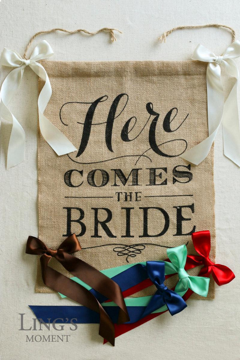 Hochzeit - Here Comes The Bride Sign-Here Comes The Bride Banner-Ring Bearer Flower Girl Sign-15x20 inches Burlap Rustic Barn Wedding Sign SIJ4050HCB