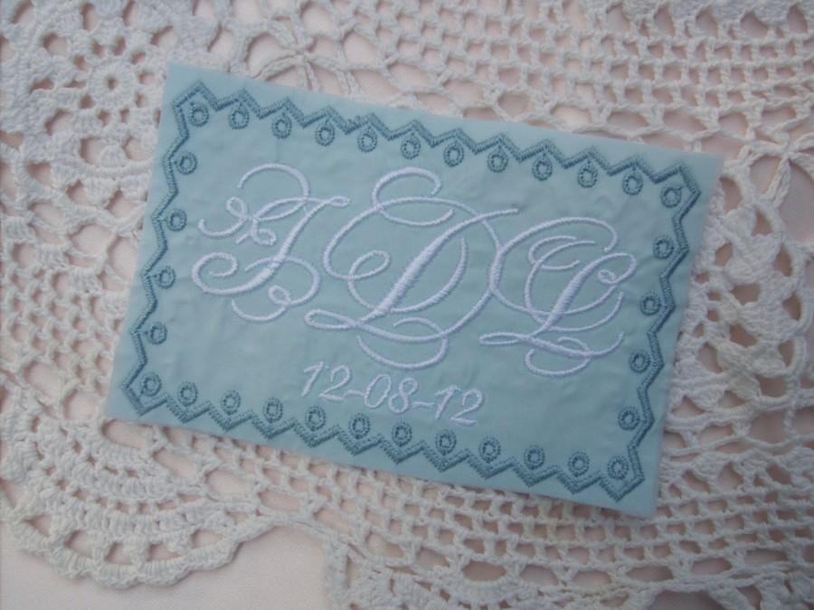 Mariage - embroidered monogrammed wedding dress label w frame 3 font mono dream
