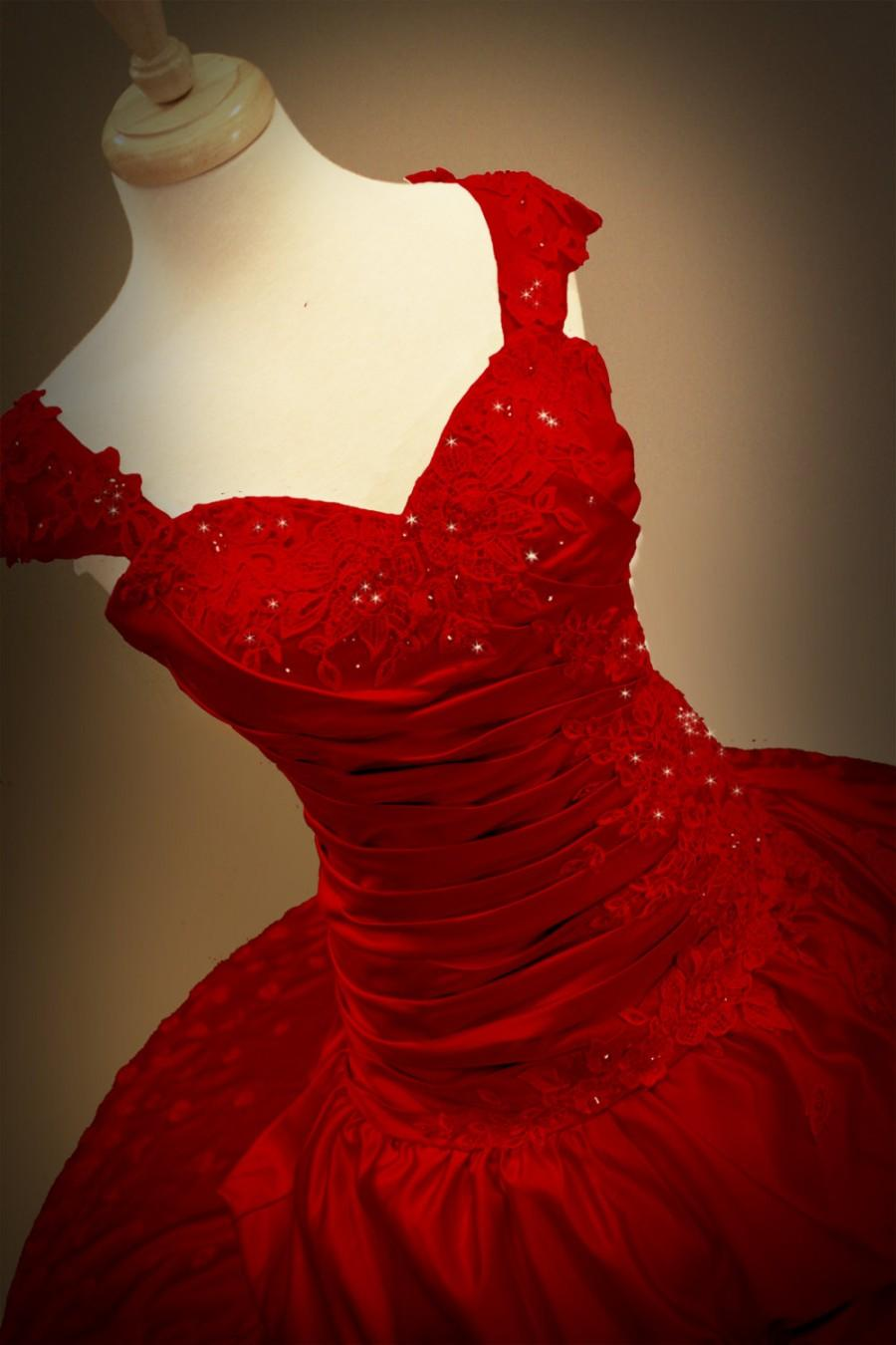 Mariage - Red Gothic Wedding Dress Ball Gown