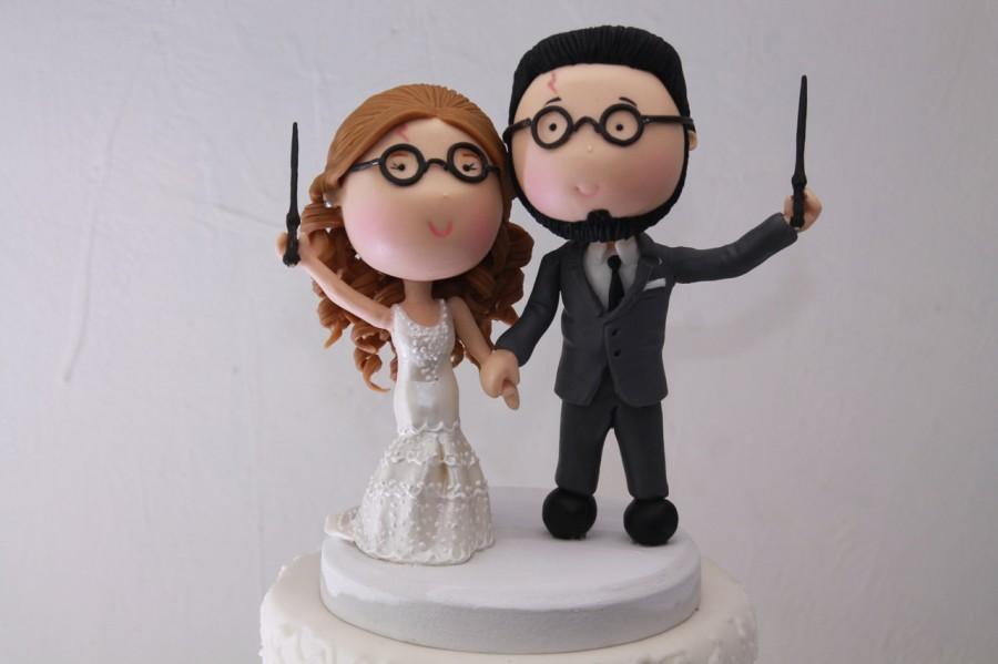 Mariage - Magical couple. Harry Potter Theme. Wedding cake topper. Wedding figurine.  Handmade. Fully customizable. Unique keepsake